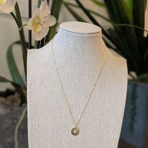 Jewelry - Gold necklace with star with diamonds